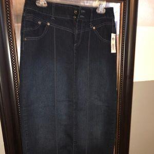 Style & Co. long denim skirt NWT size 4